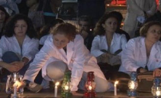 Hekimlerden 'Fenerli' Işid Protestosu