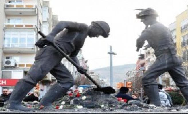 Her Ayın 13'ünde Madencileri Anacaklar