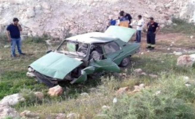 Hilvan'da Otomobil Devrildi: 9 Yaralı