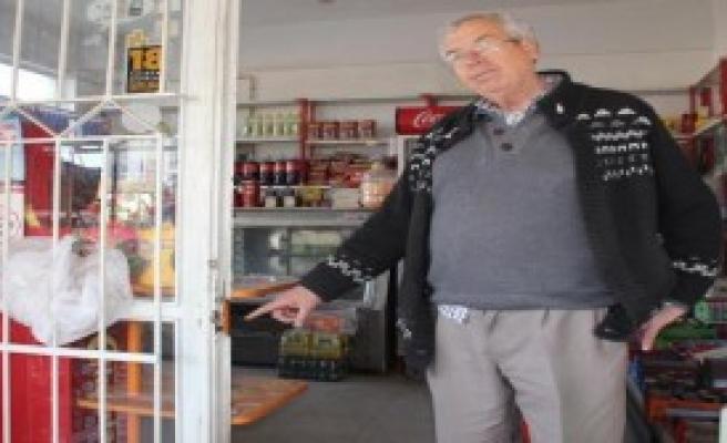 2 Ayrı Marketten 15 Bin Tl'lik Sigara Çaldılar