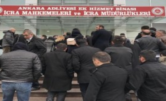 Avukat Katipleri Protesto Gösteri Yaptı