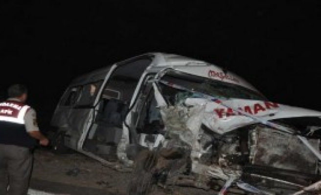 Gaziantep'te Kaza: 2 Ölü, 12 Yaralı