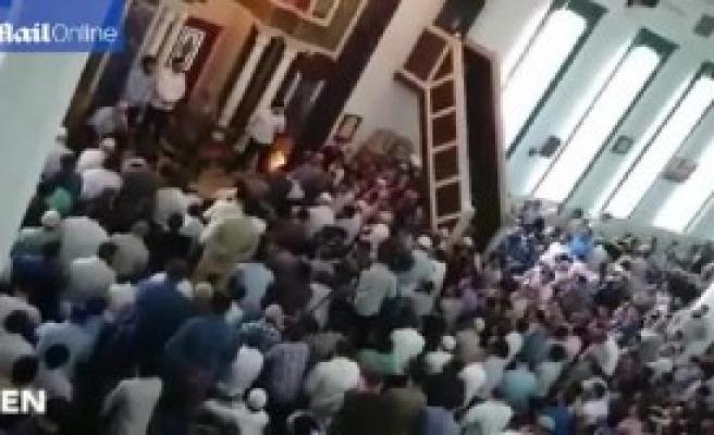 Camide Kavga Çıktı