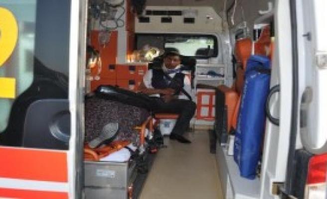 İnegöl'de Otobüs TIR'a Arkadan Çarptı: 7 Yaralı