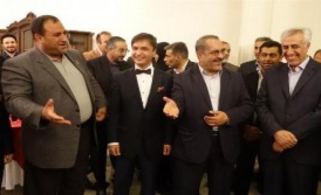 İran'da Cumhuriyet Bayramı Resepsiyonu