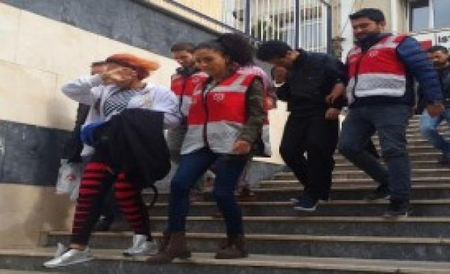 İran'lı Sahte 'Polis Ekibi' Yakalandı