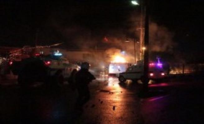 Işid Protestolarında Polise Molotof Atıldı
