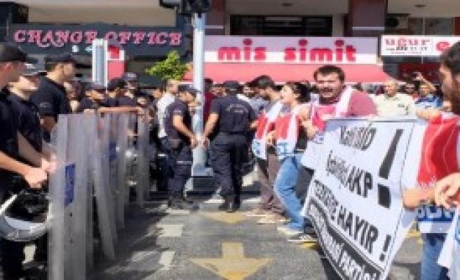 IŞİD Karşıtı Eyleme Polis Müdahalesi
