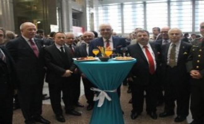 İstanbul Adliyesi'nde Yeni Yıl Kutlaması