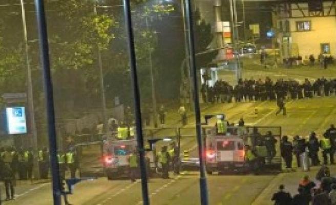 İsviçre'de  Holigan Terörü
