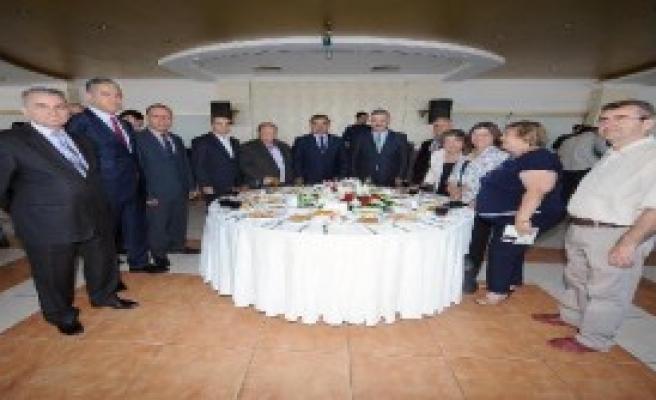 İzmir Emniyeti'nde Bayralmaşma