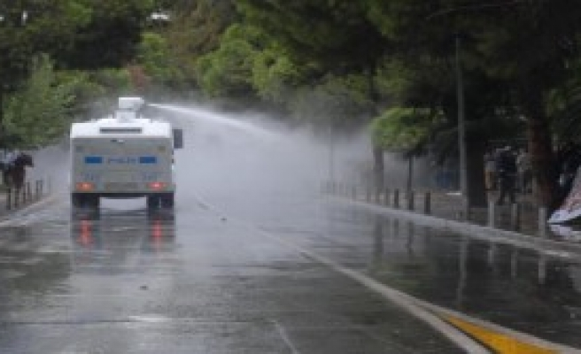 İzmir'de Kobani Gösterisine Müdahale!