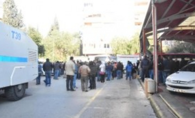 İzmir'de Pazarcıların Yer Eylemi