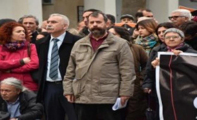 İzmir'den İhraçlara Tepki