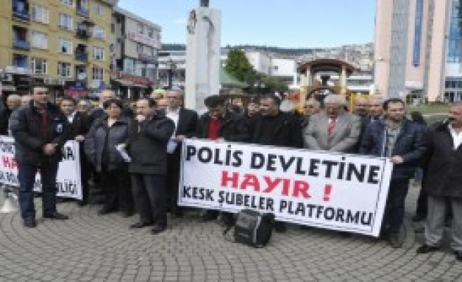 İzmit'te İç Güvenlik Yasa Tasarısı Protestosu