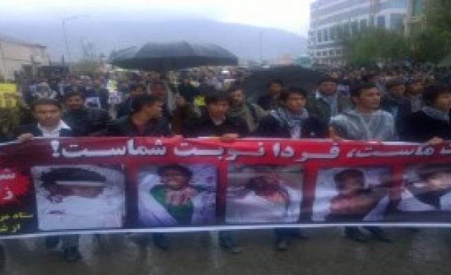 Kabil'de Taliban'a Protesto