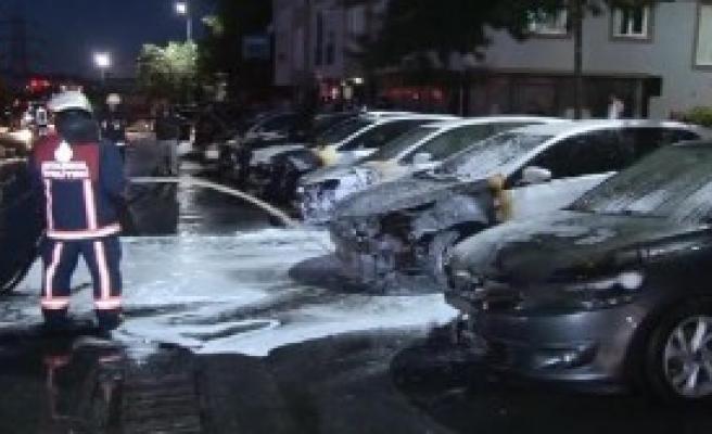 Kağıthane'de 17 Otomobil Kundaklandı