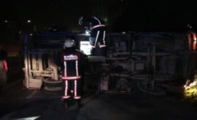 Kağıthene'de Kaygan Yol Kazası:1 Yaralı