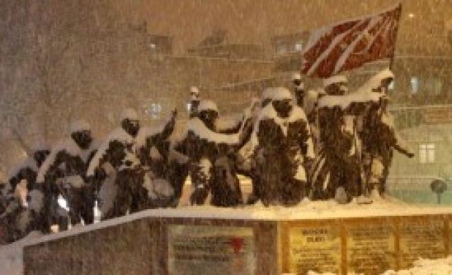 Kahramanmaraş'ta Kar Esareti