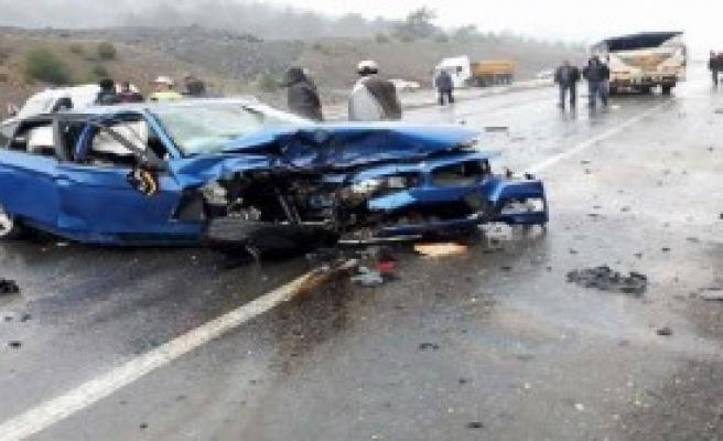 Zincirleme Kaza: 1 Ölü, 3 Yaralı