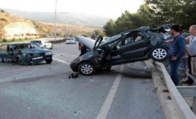 Karabük'te Zincirleme Kaza: 4 Yaralı