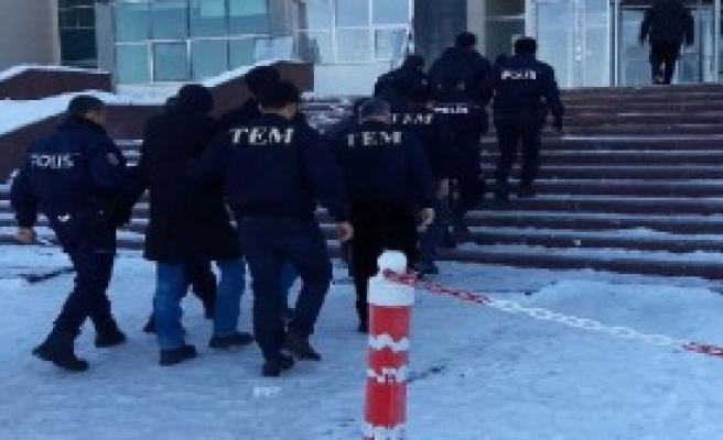 Fetö Operasyonunda 11 Asker Tutuklandı