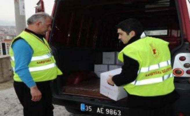 Karşıyaka Belediyesi'nden Erzak Yardımı