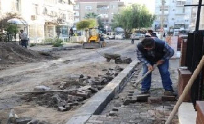 Karşıyaka'da Yenileme Sırası Aksoy'da