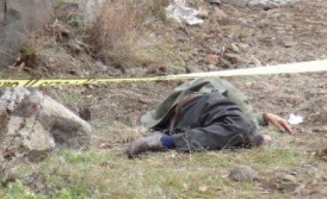 Kars'ta Bir Kişi Donarak Öldü