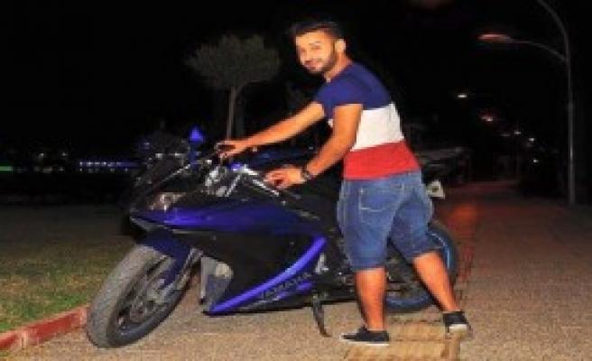 Kasksız Genç Motosiklet Kazasında Öldü