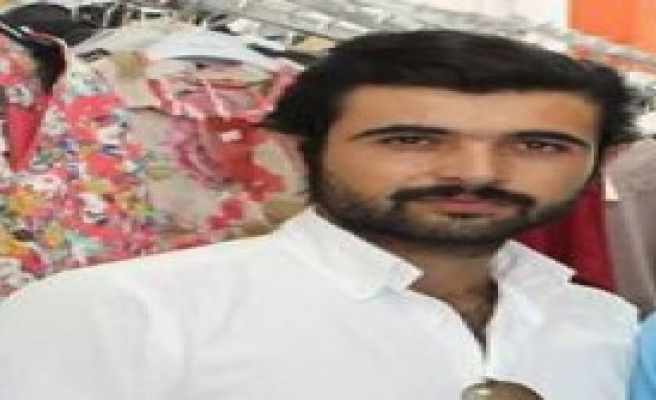 Kavgada Araya Giren Genç Kalbinden Bıçaklandı