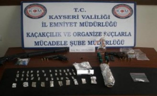 3 Ayrı Uyuşturucu Operasyonunda 7 Kişi Tutuklandı