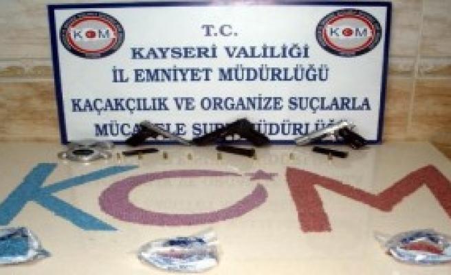 Kayseri'de 3 Uyuşturucu Satıcısı Tutuklandı