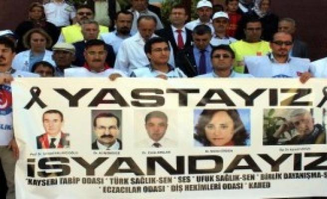Kayseri'de Sağlık Çalışanları, İş Bıraktı