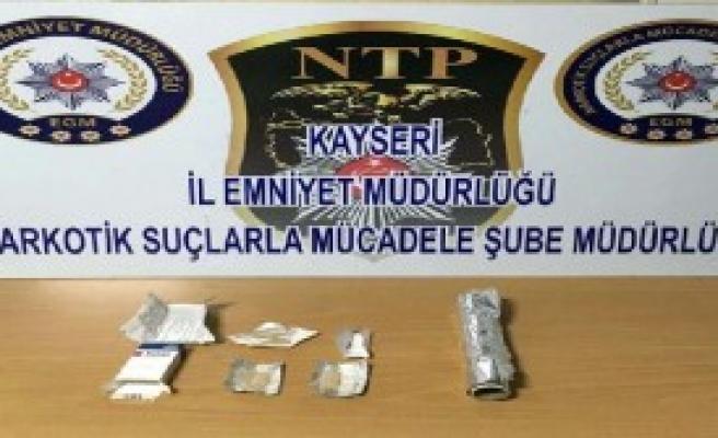 Kayseri'de Uyuşturucuya 5 Gözaltı