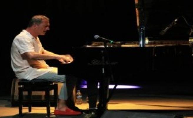 Kerem Görsev ve Quartet ile Caz Keyfi