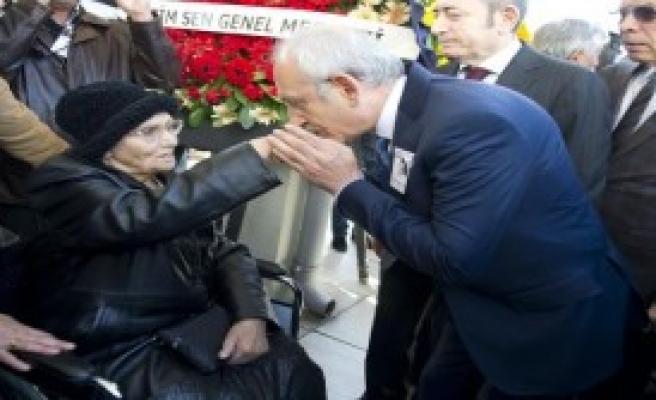 Kııçdaroğlu, Talip Apaydın'ın Cenaze Törenine Katıldı