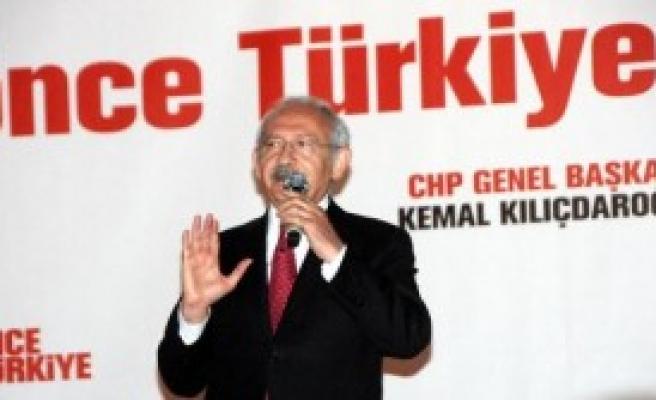 'Ya Demokrasi, Ya Dikta Yönetim'