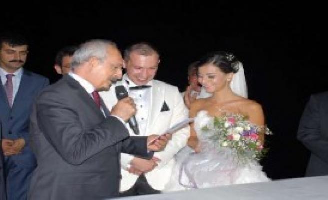 Kılıçdaroğlu Ve Baykal Nikah Şahitliği Yaptı