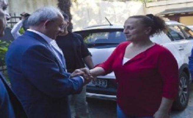 Kılıçdaroğlu, Yaşar Nuri Öztürk'ü Ziyaret Etti