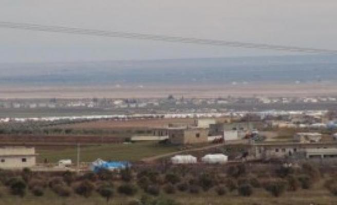 Sınırın Suriye Tarafı Çadırlarla Doldu