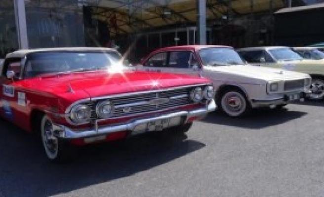 Klasik Otomobillerle Haliç Turu