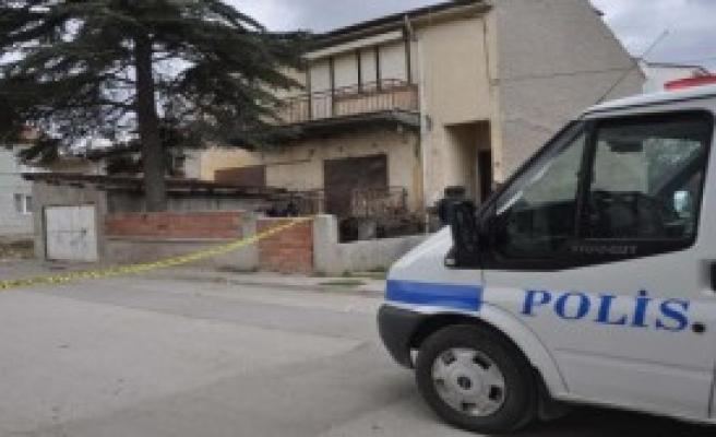 Komşusu Tarafından Yaralandı, Hastanede Öldü