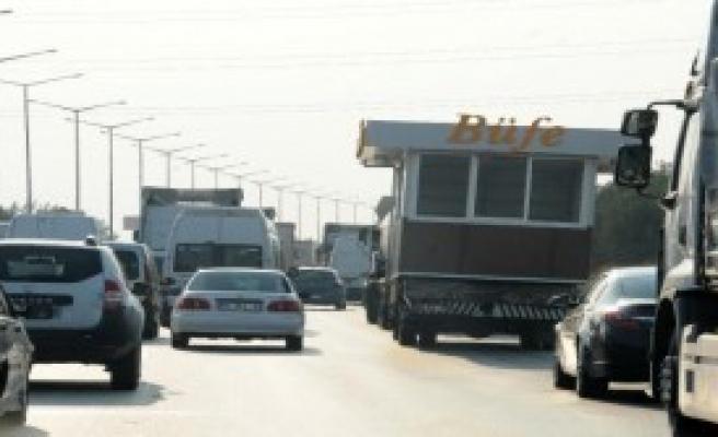 'Konteyner Büfe' Kamyonetle Taşındı