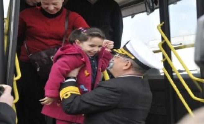 Korumaya Muhtaç Çocuklar Donanma Gemilerinde