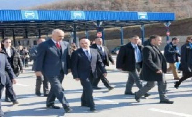 Kosova ve Arnavutluk'tan Ortak Gümrük Kapısı