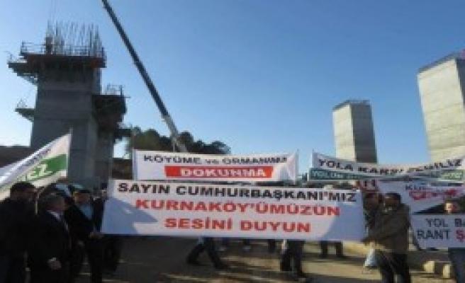 Köylülerden Otoyol Protestosu