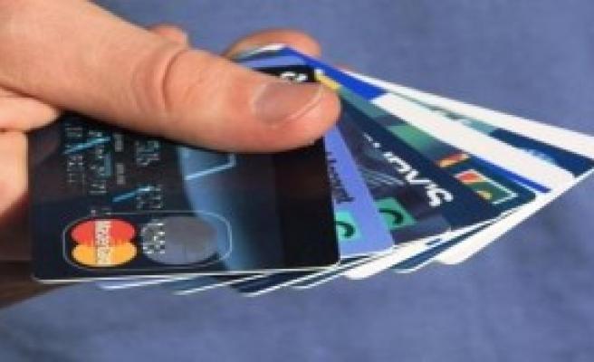 Kredi Kartı Harcamaları Azaldı