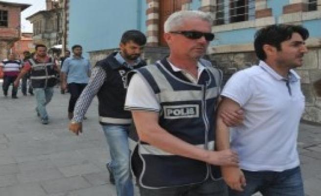 Kütahya'da 4 Şube Müdürü ile 1 Başkomiser Tutuklandı