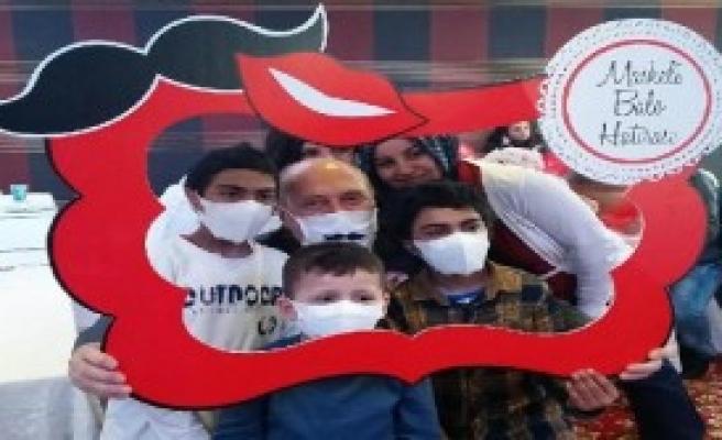 Lösemili Çocuklar İçin Maskeli Balo